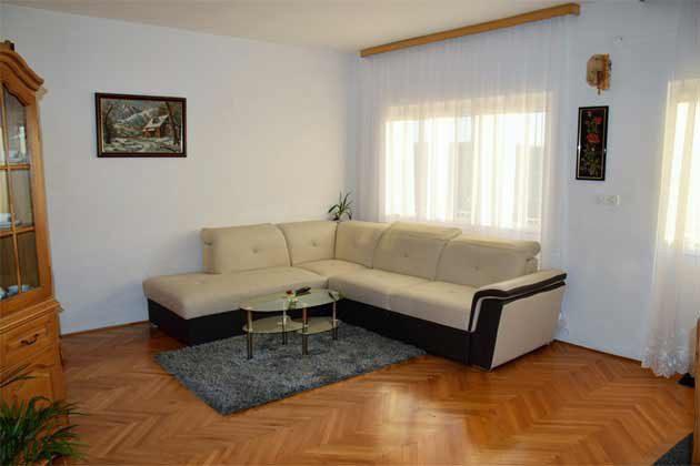OG Wohnzimmer mit Schlafcouch- Objekt 196620-1