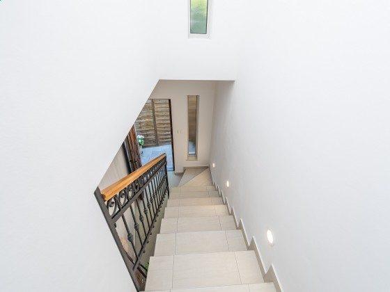 Treppenaufgang ins Obergeschoss - Objekt 173302-37