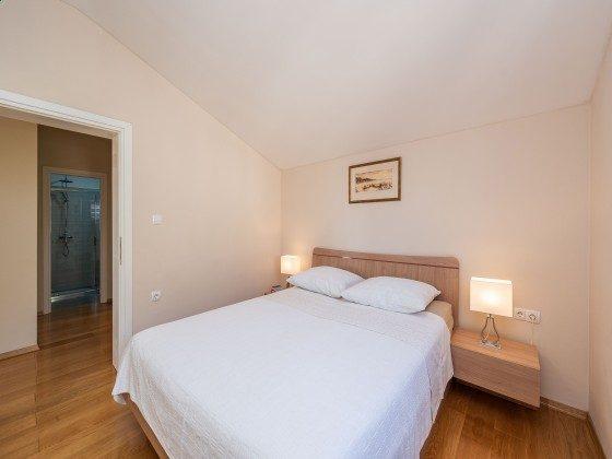 Schlafzimmer 1 von 2  OG - Bild 2 - Objekt 173302-37
