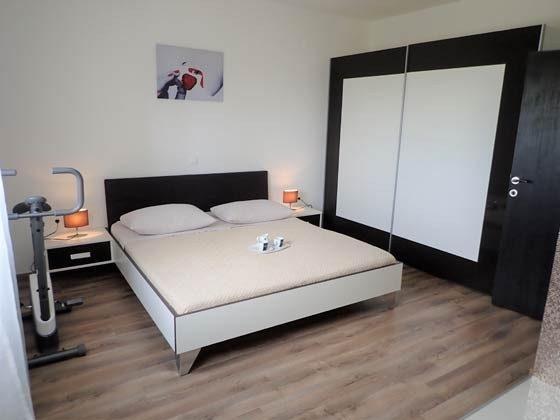 Schlafzimmer 1 EG - Bild 1 - Objekt 196520-3