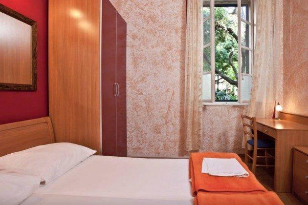 A1 Schlafzimmer 2 - Bild 2 - Objekt 94599-4