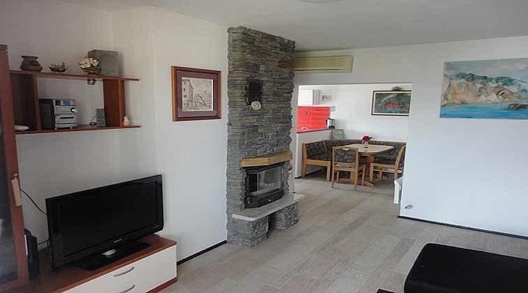 Wohnraum mit angrenender Küche - Objekt 95858-2