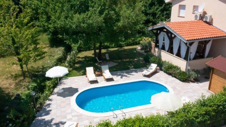 Haus und Pool - Bild 1 - Objekt 203985-1