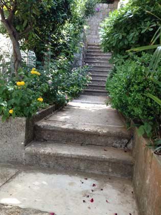Treppe zum Grundstück - Bild 2 - Objekt 99211-1