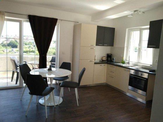 A7 Wohnküche und Balkon - Objekt 149325-2
