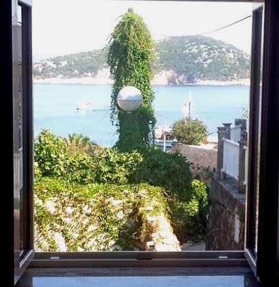 A2 Blick aus einem der Fenster - Ref. 2001-77