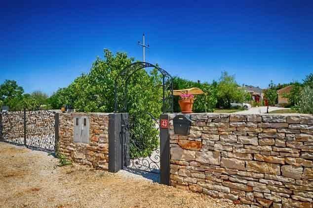 Eingang zum Grundstück - Objekt 138493-16