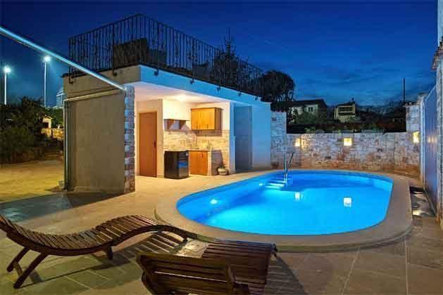 Poolbereich bei Nacht - Bild 1 - Objekt 160284-128