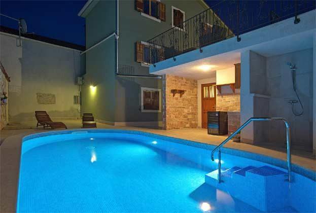 Poolbereich bei Nacht - Bild 2 - Objekt 160284-128