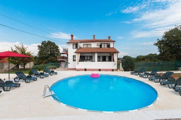 Haus und Pool - Bild 1 - Objekt 160284-282
