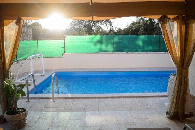 Pool und Poolterrasse - Bild 3 - Objekt 160284-302