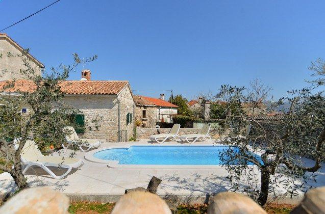 Ferienhaus und Pool - Bild 3 - Objekt 160284-318