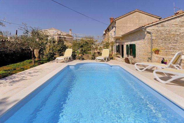 Ferienhaus und Pool - Bild 2 - Objekt 160284-318