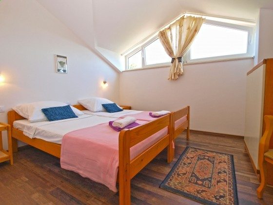 Schlafzimmer 1 - Bild 1 - Objekt 160284-354