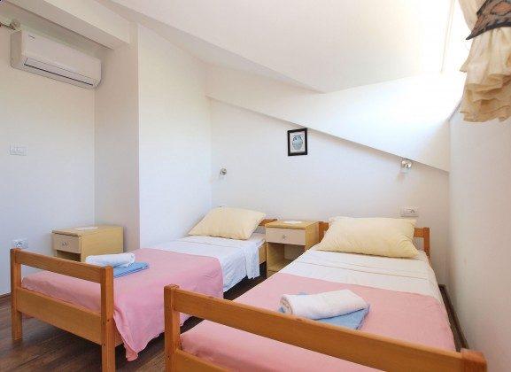 Schlafzimmer 2 - Bild 2 - Objekt 160284-354
