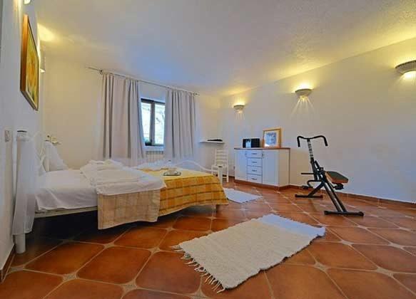 Schlafzimmer 1 von 4 - Bild 1 - Objekt 138493-14