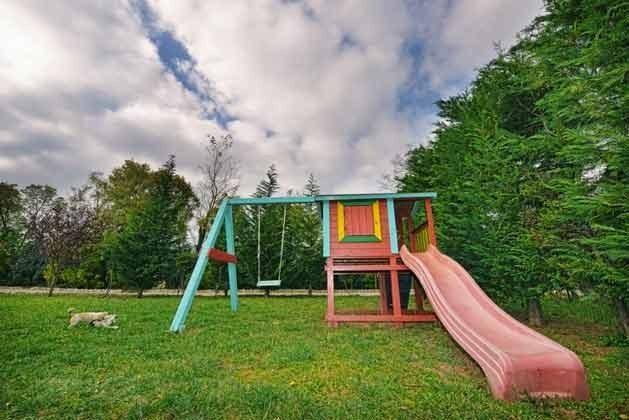 Spielgeräte im Garten - Objekt 138493-14