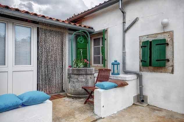 kleine Terrasse vor dem Haus - Objekt 160284-103
