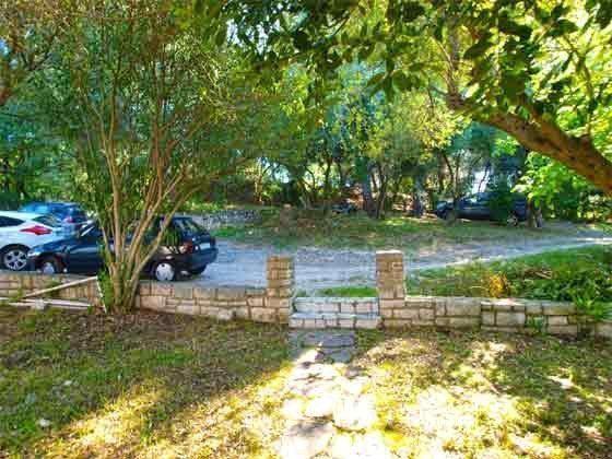 Parkplatz unterhalb des Hauses - Bild 2 - Objekt 160284-122