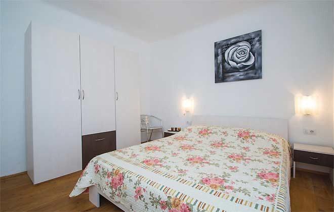 Schlafzimmer 2 - Bild 1 - Objekt 160284-137