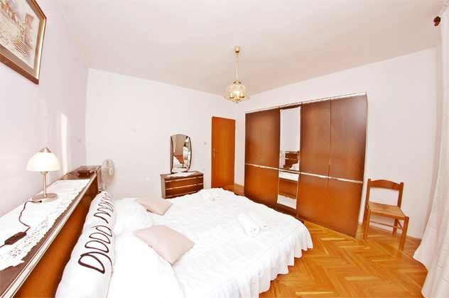 FW4 Schlafzimmer 1 von 3 - Objekt 160284-81