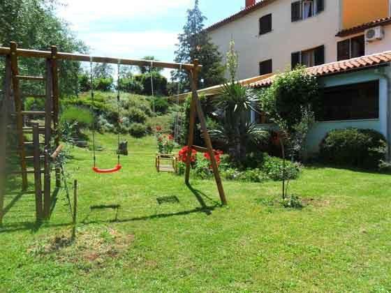 Spielplatz im Garten - Objekt 160284-81