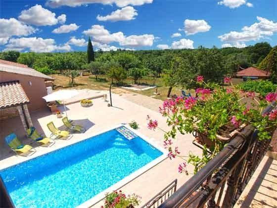 Blick auf den Pool und den Garten - Objekt 160284-212