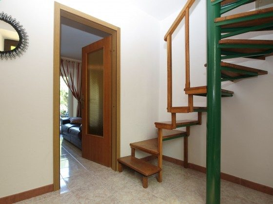 Treppe ins Obergeschoss - Objekt 160284-296