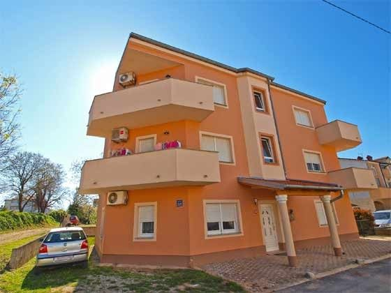 das Wohnhaus/Apartment im 2. Stock - Objekt 160284-136