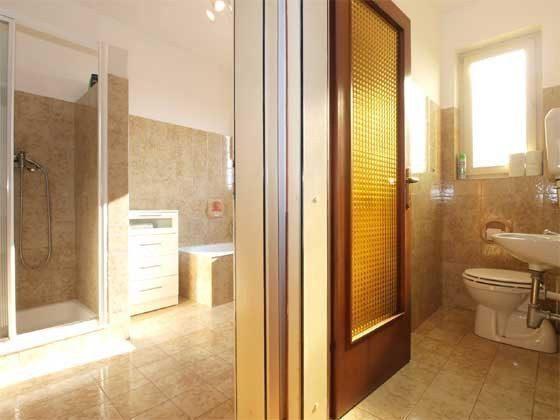 Badezimmer und WC 1 - Objekt 160284-168