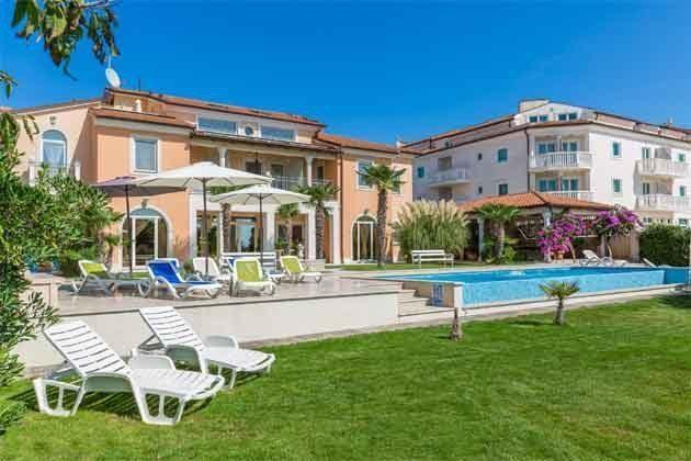 Apartmenthaus und Pool - Objekt 160284-203
