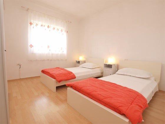 Schlafzimmer 2 - Bild 1 - Objekt 160284-239