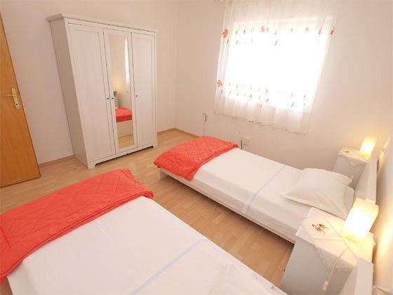 Schlafzimmer 2 - Bild 2 - Objekt 160284-239