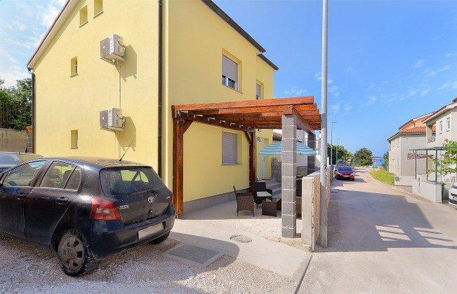Parkplätze und Terrasse A1 - Objekt 160284-247