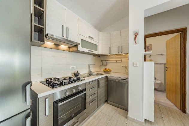 FW2 Küchenzeile - Objekt 160284-327
