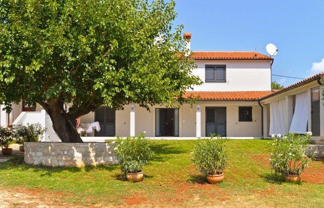 Ferienhaus und Garten - Bild 1 - Objekt 160284-335