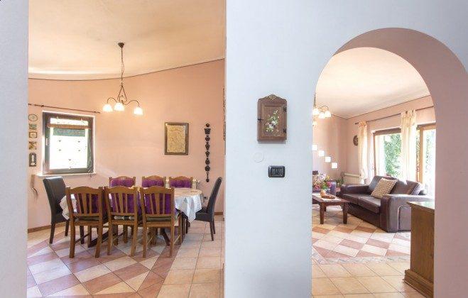 Wohnzimmer und Küche - Objekt 160284-336