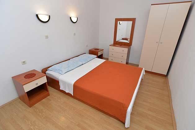 A6 Schlafzimmer 1