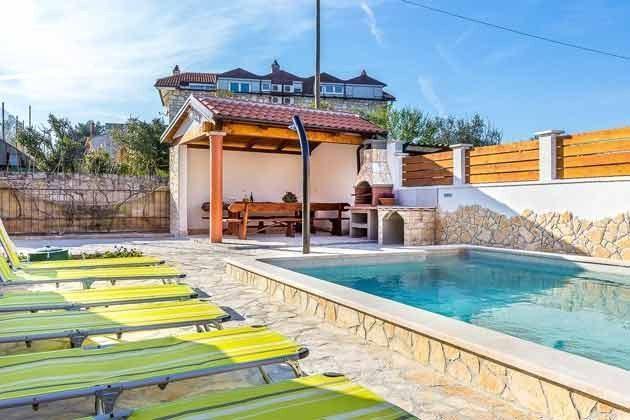 Pool und Grillterrasse - Objekt 160284-210