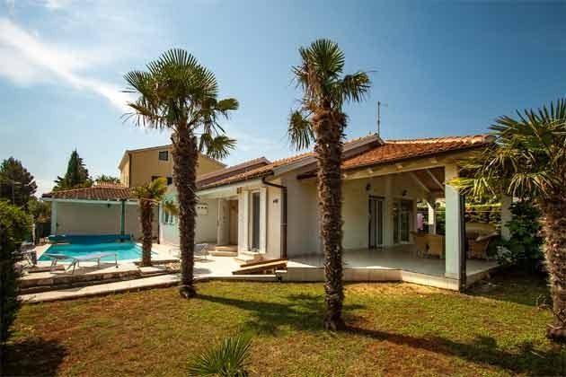 Garten, Haus ind Pool - Bild 1 - Objekt 160284-216