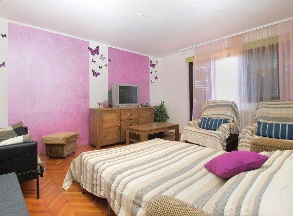Wohnzimmer mit Schlafcouch - Bild 1 - Objekt 160284-365