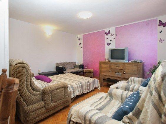 Wohnzimmer mit Schlafcouch - Bild 3 - Objekt 160284-365