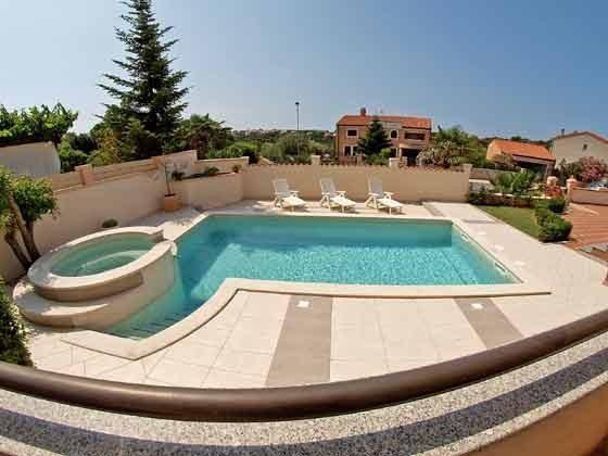 Blick auf den Pool von der 1. Etage - Objekt 160284-4