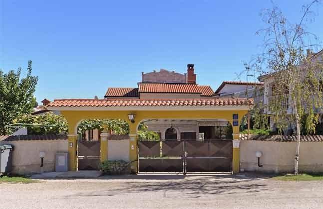 Straßenseite des Hauses  - Objekt 160284-55