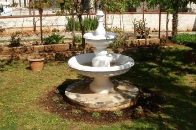 Springbrunnen im Garten - Objekt 166792-1