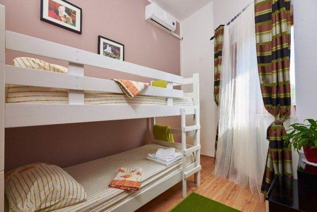 Schlafzimmer 3 OG  - Objekt 225602-6