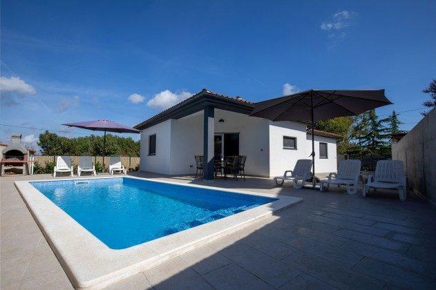 Ferienhaus und Pool - Objekt 225602-9