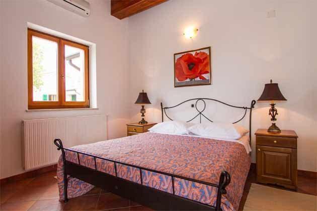Schlafzimmer 1 von 5 - Objekt 160284-139