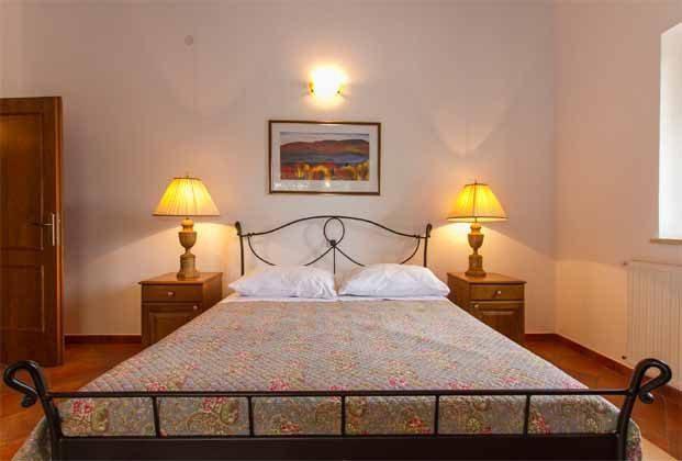 Schlafzimmer 1 von 5 - Objekt 160284-141