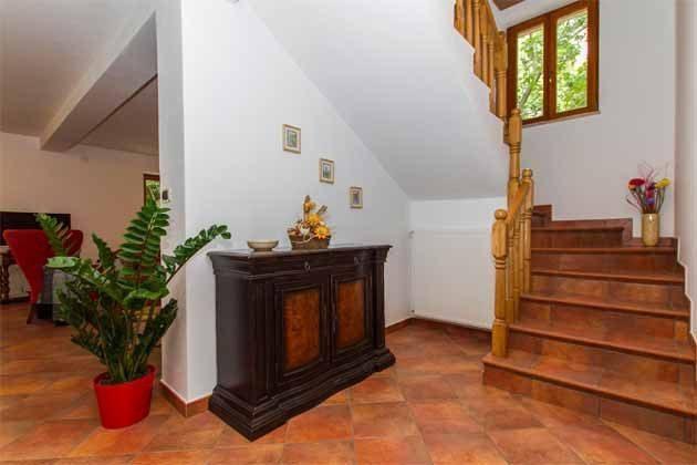 treppe ins Obergeschoss - Objekt 160284-141